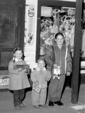 Lighthart children Linlithgo 1965