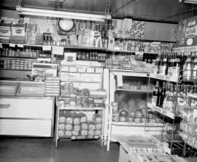 Lighthart's General Store Linlithgo 1965 (2)