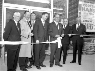 A & P Store Opening Red Hook Apr. 1966 (1)