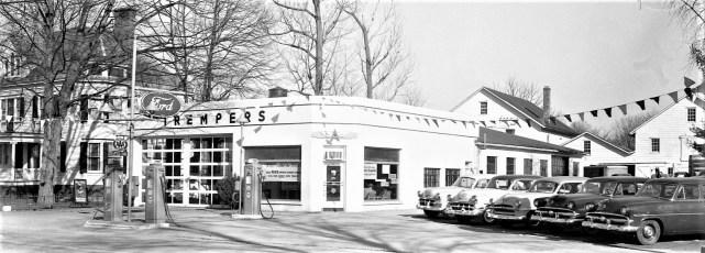 Trempers Garage Red Hook 1955