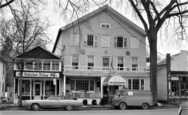 The Old Dutch Inn Kinderhook 1971 (1)