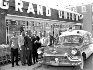 Grand Opening Grand Union Store Philmont April 1962 (2)