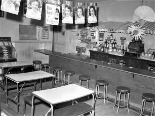 Cole & Mead Hotel Tivoli NY 1954 (3)