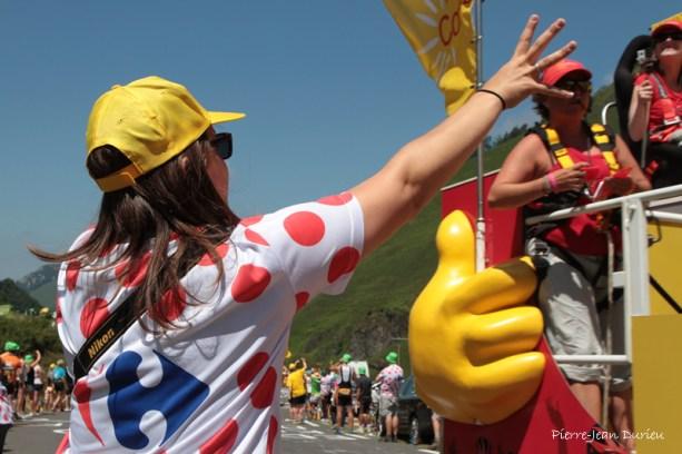 Spectateurs et la caravane du le Tour de France, La Pierre Saint-Martin, 14 juillet 2015