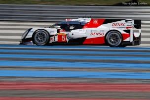 La Toyota n°5 qui allait perdre les 24 heures du mans dans le dernier tour. Prologue du Championnat du Monde d'Endurance au Circuit Paul Ricard, 26 mars 2016