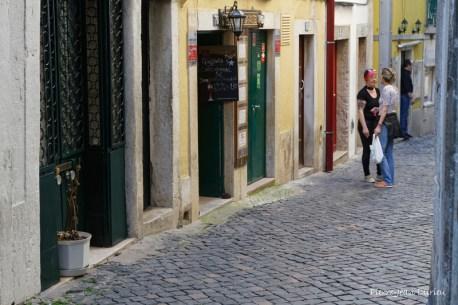 Une rue dans Alfama, Lisbonne, Avril 2017