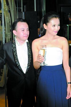 """劉濤老公被傳""""偽富豪"""" 經濟窘迫變賣豪車-搜狐娛樂"""