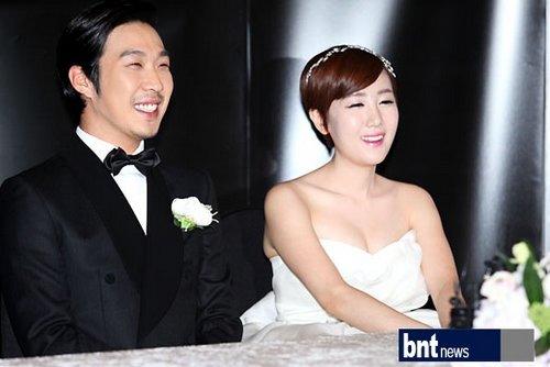 韓國歌手HAHA星婚禮舉辦發布會 新人幸福甜蜜 - 搜狐視頻