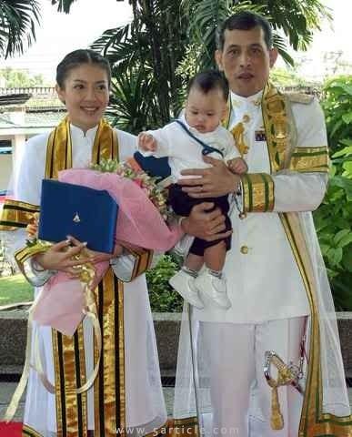 泰國王子哇集拉隆功妻子裸體為寵物狗慶生 泰國王菲(組圖)-搜狐滾動