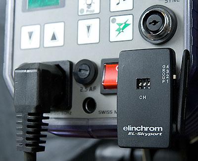 Skyport RX receiver on flash head