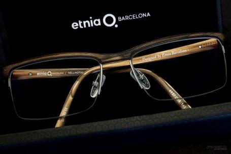 Etnia bril in koker