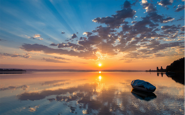 Photo by Philipp Hilpert: sunsat on the lake
