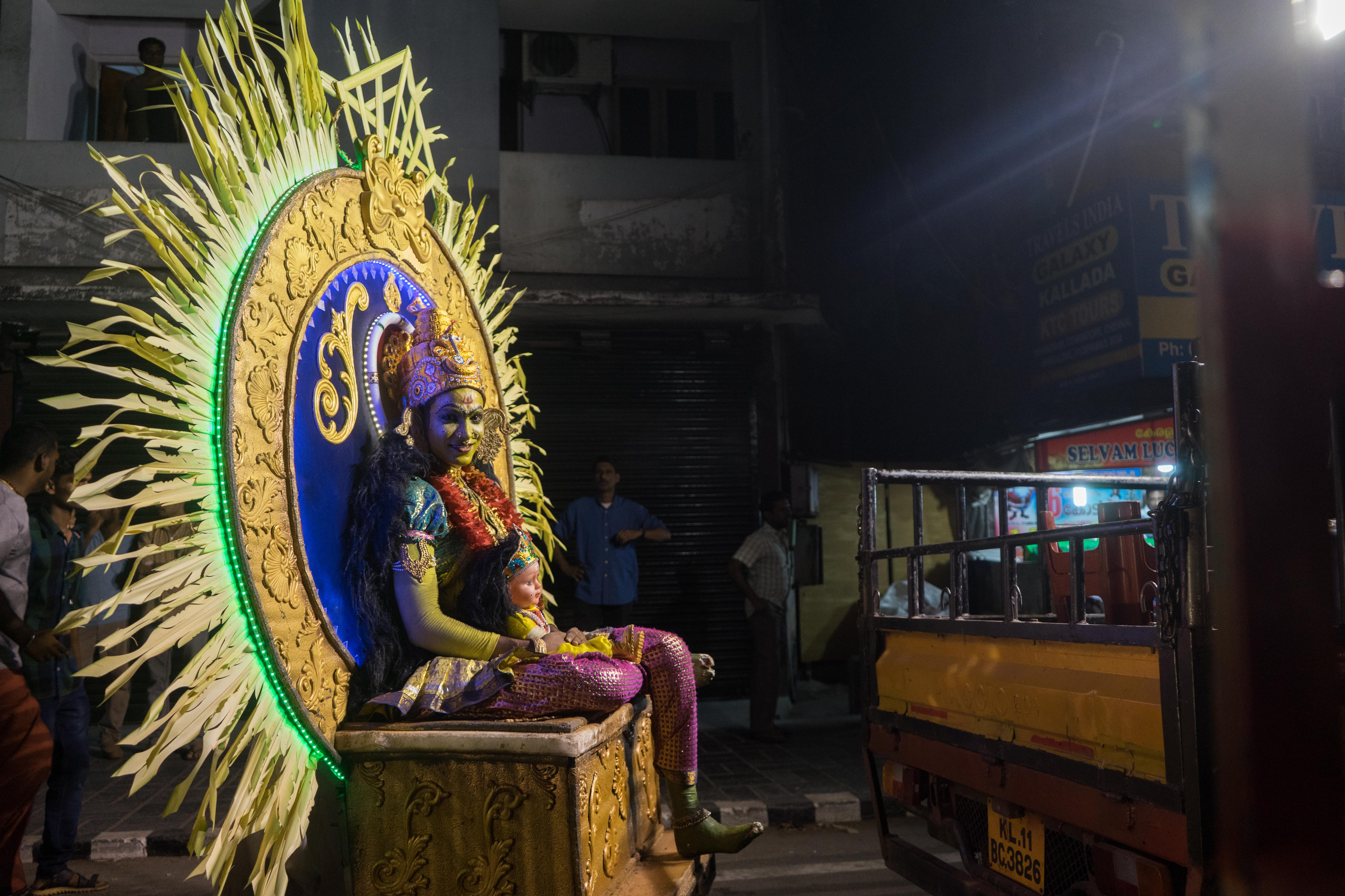 Person dressed up as an Hindu goddess during a festivity in Calicut