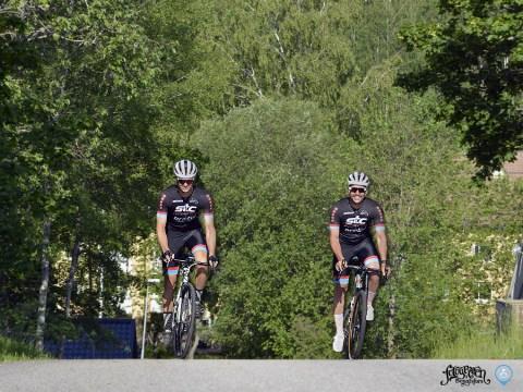 Ute och cyklar? 6