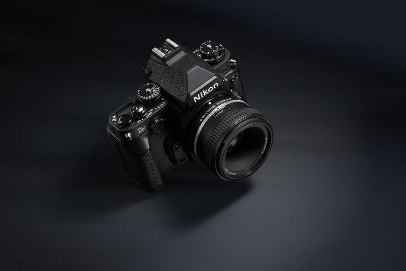 Nikon Df : le reflex à complication