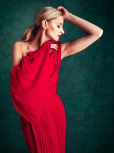 2743-0316 0207 svetlana The Red Dress #1,2,3 ©2013Kevin Ames 8x10in