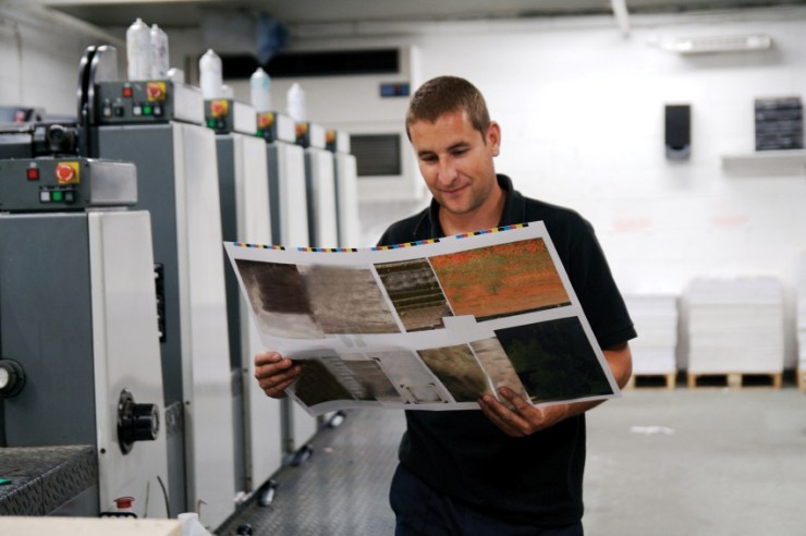 In a commercial printing environment, very high-resolution images are required. istockphoto/johnnyscriv