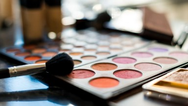 Tips for Finding and Working with a Professional Makeup Artist