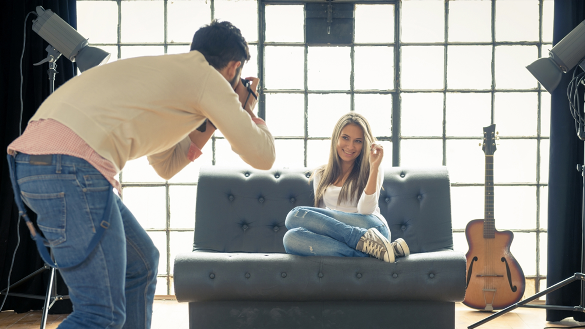 Photographer Wanted $5 per hour - should you take the job?