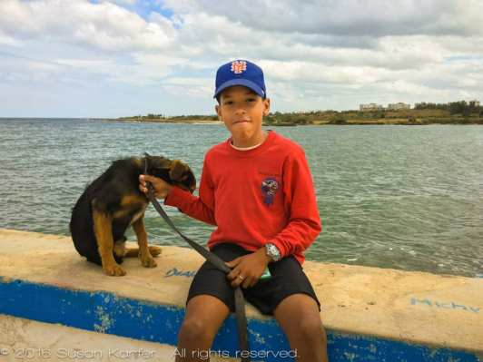 Boy-and-his-Dog near Havanna