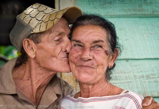 Vinales Husband Kissing Wife