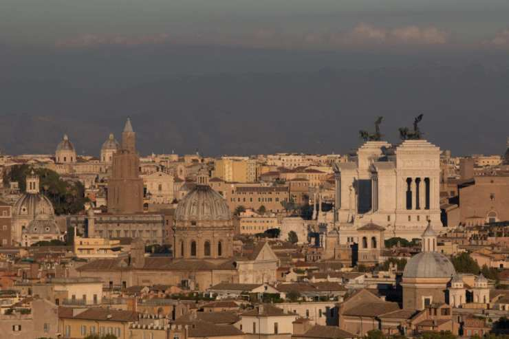 The location in Rome awaiting moonrise. Photo by Tim Grey