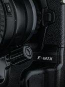 OM-D-E-M1X-Grip-&-Name-928