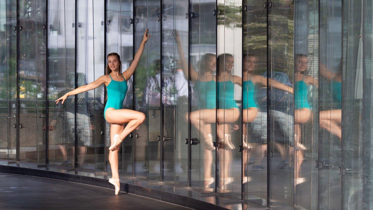 dancer using auto settings