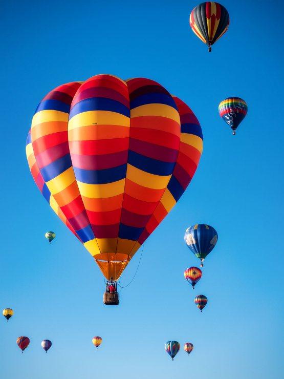 Balloons in flight at Albuquerque balloon festival