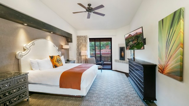 Developing high-end hotel property photography