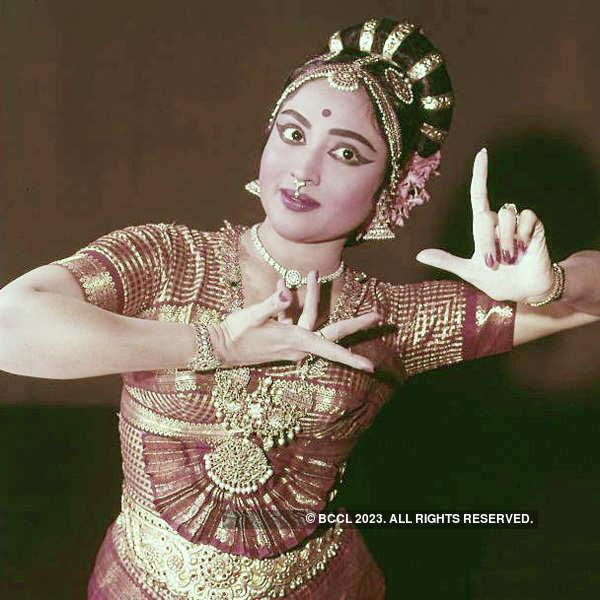 Image result for vyjayanthimala jewel thief