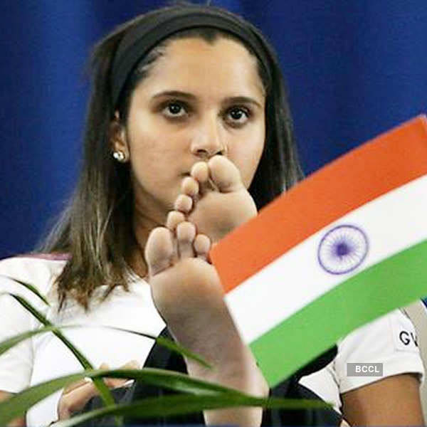 Respect Girl Wallpaper In Hindi Tennis Player Sania Mirza Has Not Escaped From The Flag