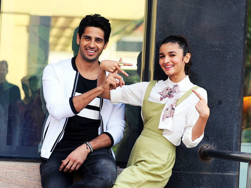 Alia Bhatt and Sidharth Malhotra pictrues
