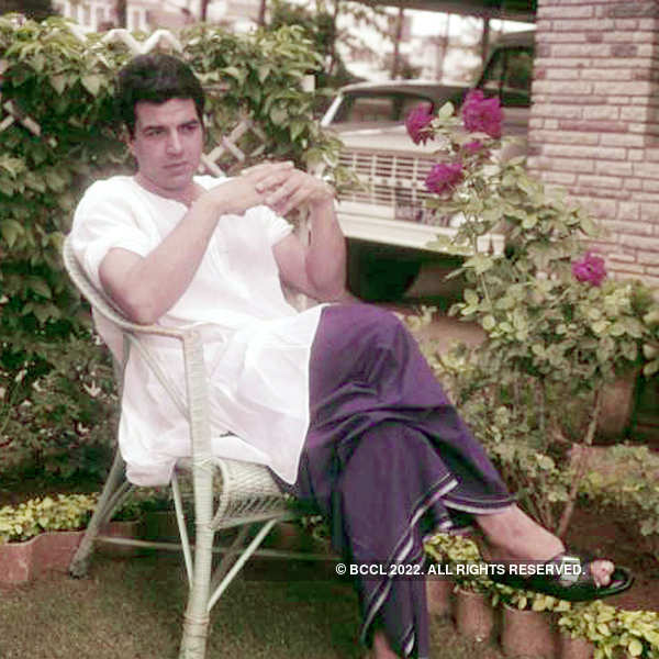 Image result for dharmendra lungi