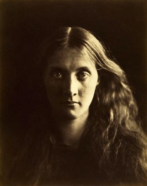 Julia Margaret Cameron Portrait de Julia Jackson Négatif plaque de verre traitée au collodion humide, positif sur papier albuminé