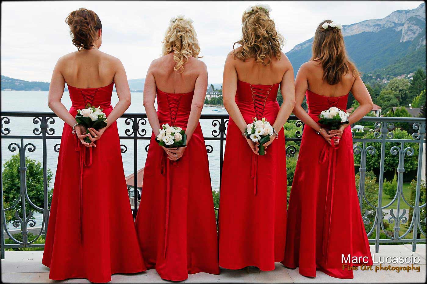 photo de groupe témoin de la mariée