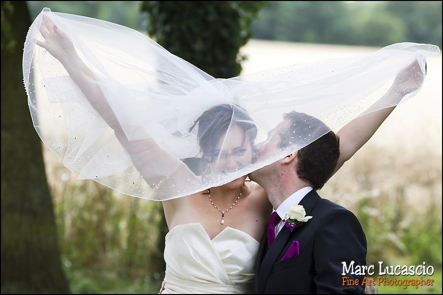 Mariage juif couple pris sur le vif