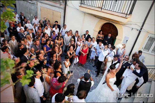 Mariée et bouquet du mariage en Italie