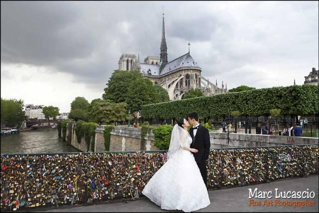 couple Notre Dame de Paris et Le Pont de l'Archevêché