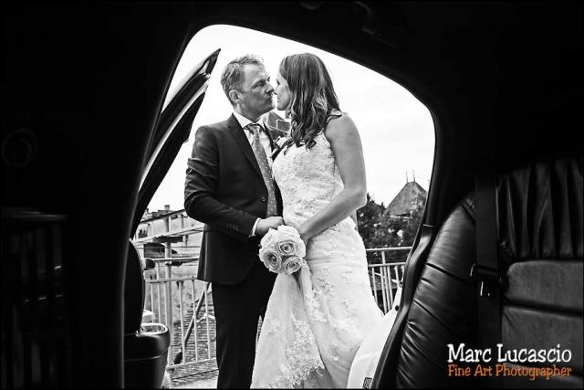 mariage Montreux couple voiture maries