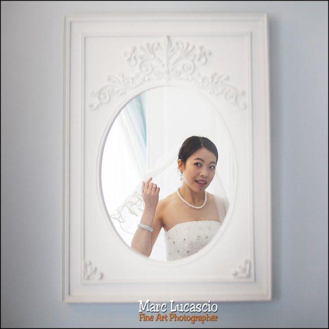 preparatif de la chinoise devant le miroir