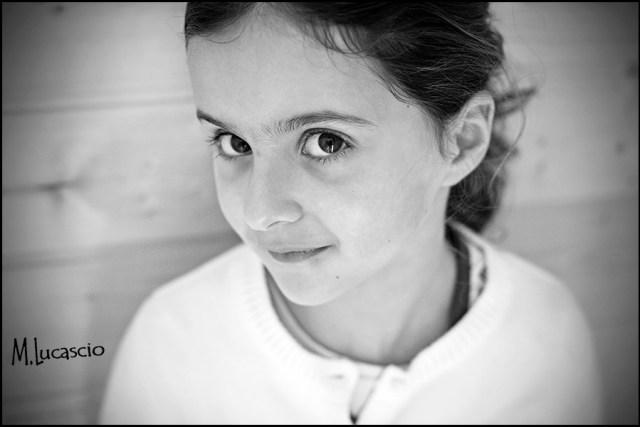 noir et blanc portrait enfant naturel