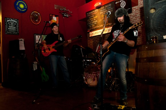 Photographers of Las Vegas - Event Photography - event concert at Aces and Ales Zito77