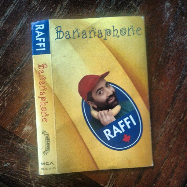 a photo of a raffi bananaphone liner for a cassette case