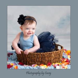 Photographer of baby girl in tutu