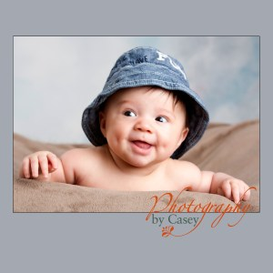 baby in hat baby photographer