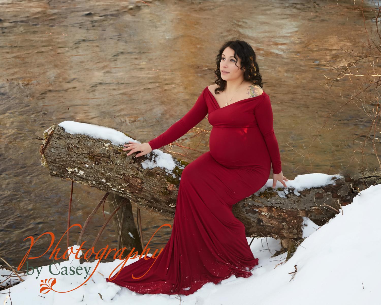 winter maternity photo session