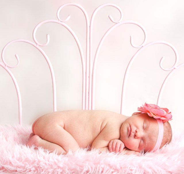 Newborn baby |Photography by Casey | Attleboro MA