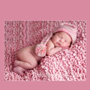 Photographer of Newborns with Hats