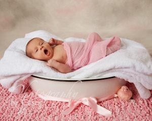 Photography Newborn Baby in Wash Tub